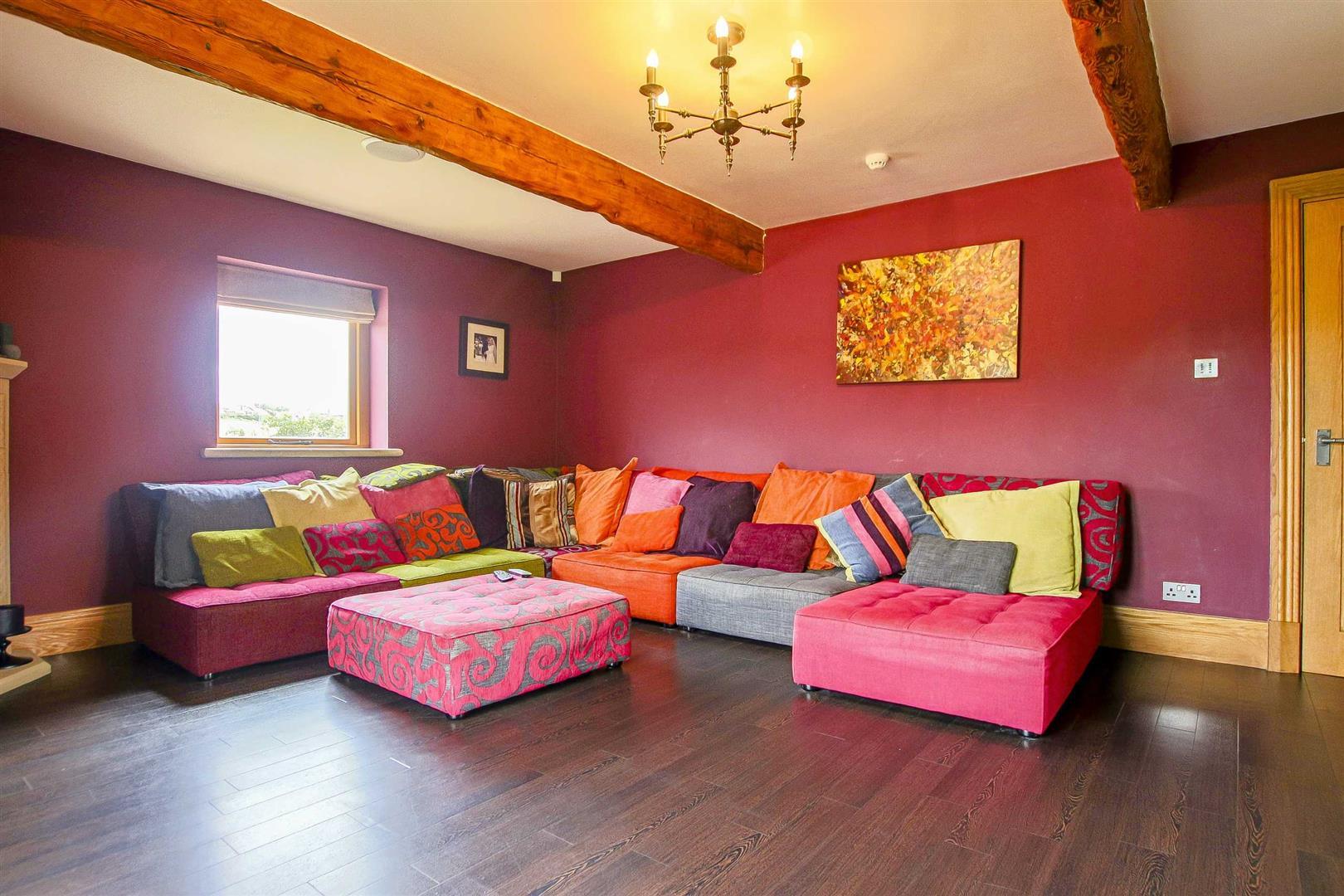 5 Bedroom Cottage For Sale - Image 29